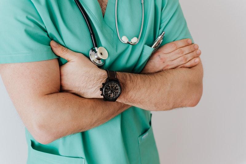 huelga médicos 27 octubre decreto ley 29/2020